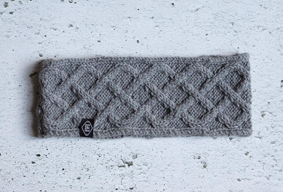 Bandeau à losanges tricoté par Hélène