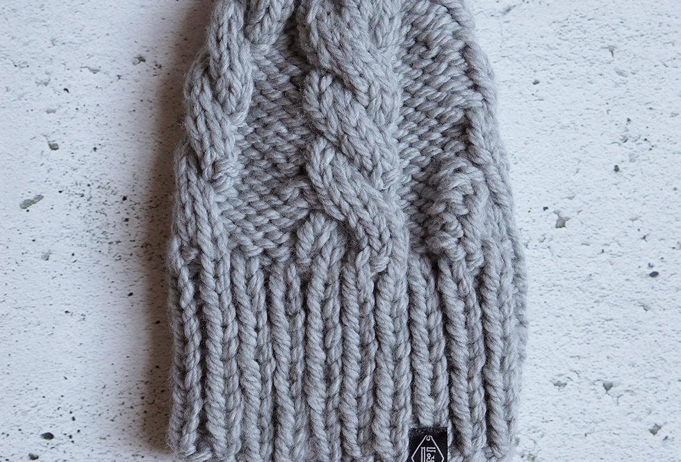 Tuque à torsades tricotée par Valérie