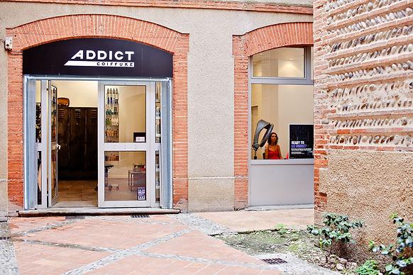 Addict coiffure, est un salon de coiffure mixte, by Damien Morice, coiffeur à Toulouse, créateur et visagiste.