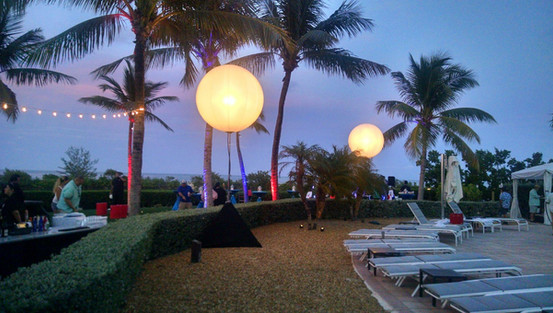 Moon Ballons for Outdoor Events