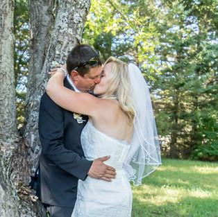 Farrar Wedding Kiss