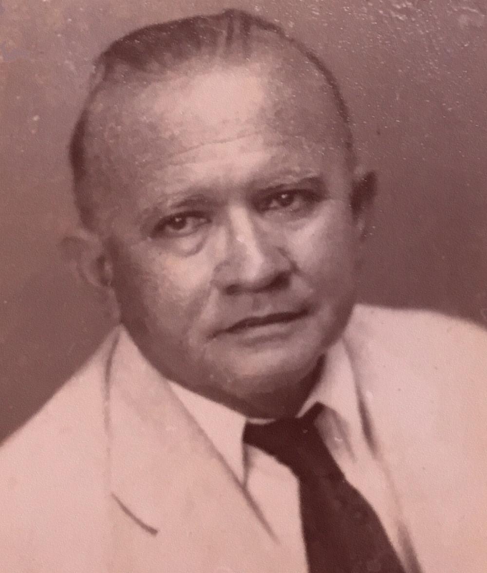 """Escritor paraense, autor de """"Panela de Barro"""" e """"Cuia Pitinga""""."""
