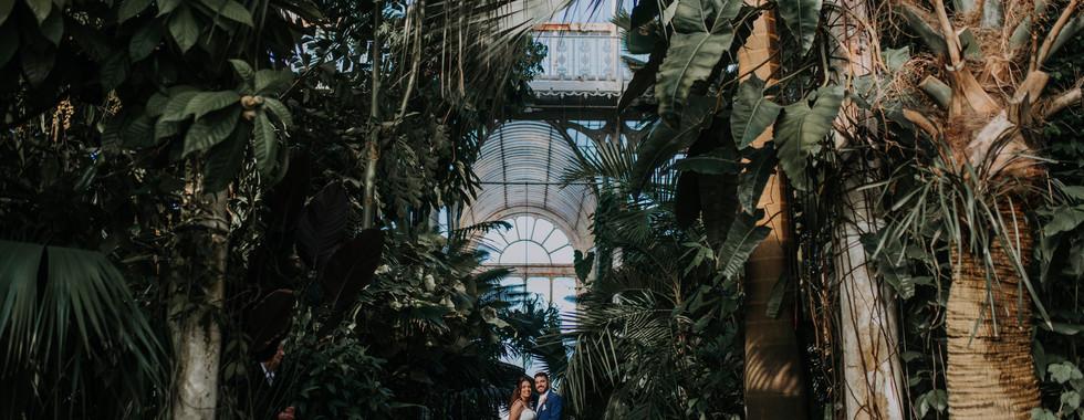 Bride and Groom in Kew Gardens on their Wedding