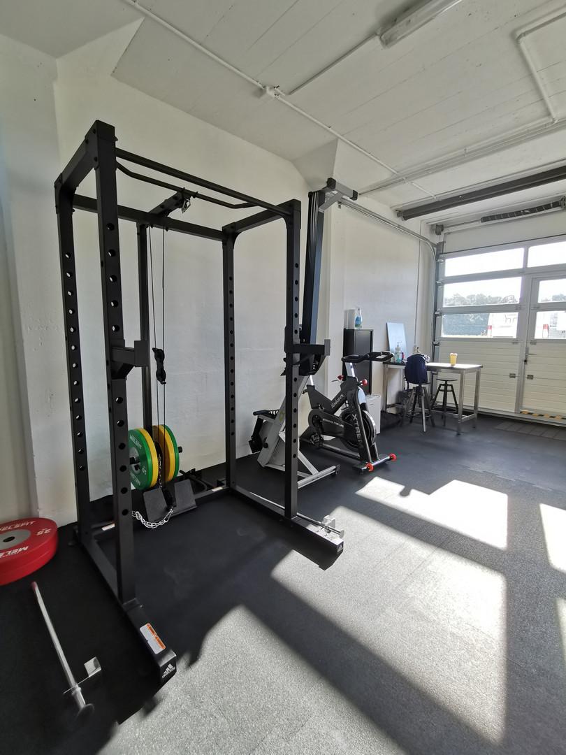 Rack à squat et poulie