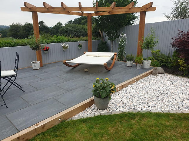 Beautiful Garden with Stone Patio and Chipping