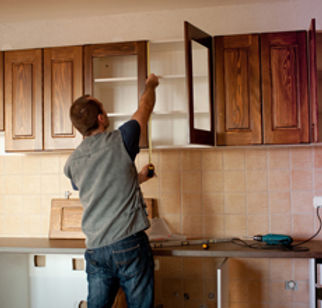 Man installing kitchen