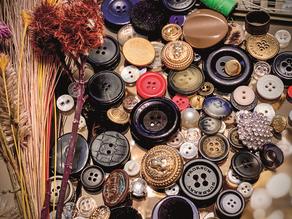 Conversa com os botões: moda e reflexões cotidianas