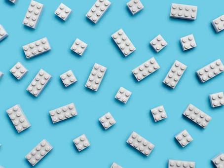 Lego lança peças feitas de garrafas de água recicladas
