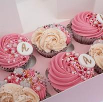 Multi-piped Monogram Cupcakes