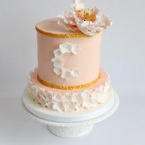 Peony & Gold Cake