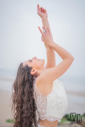 bride_elegant_beachWM.jpg