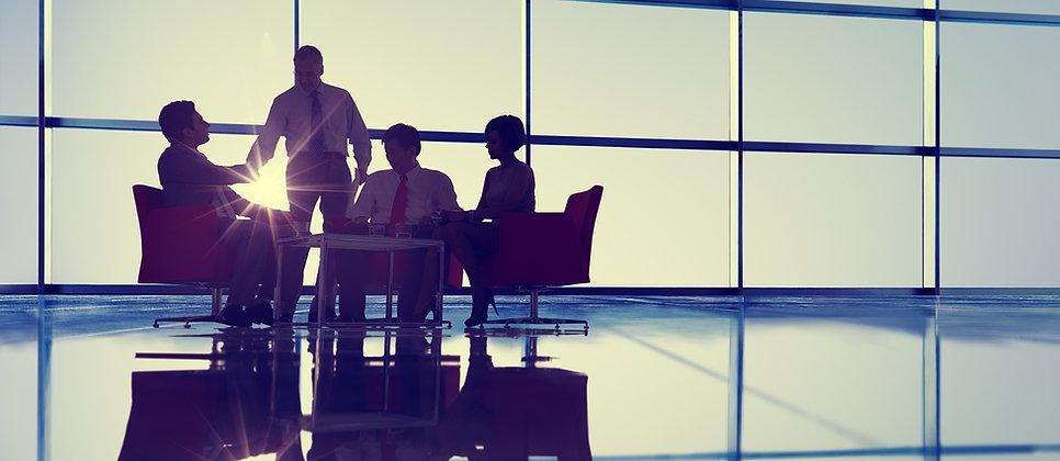 Image d'un groupe de travail en réunion - JB consultant - Coaching d'organisation à Paris et Toulouse - Accompagnement RH systémique et global : coaching d'organisation