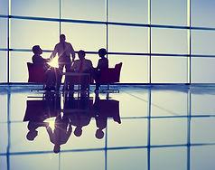 Projektmanagement Gruppe im gegenlicht