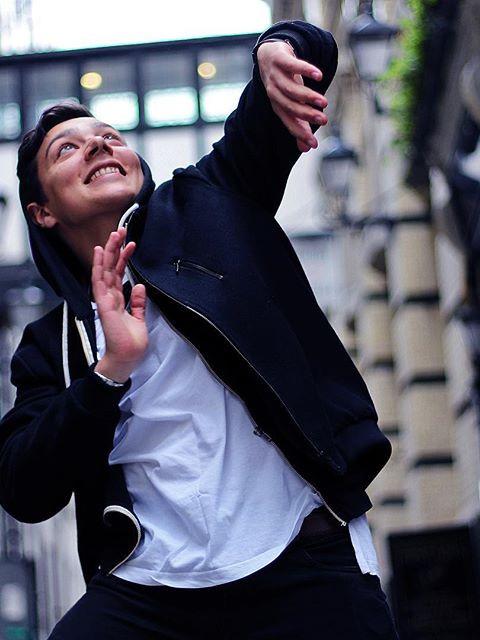 TB - Dancing in the Streets !! #guysalim