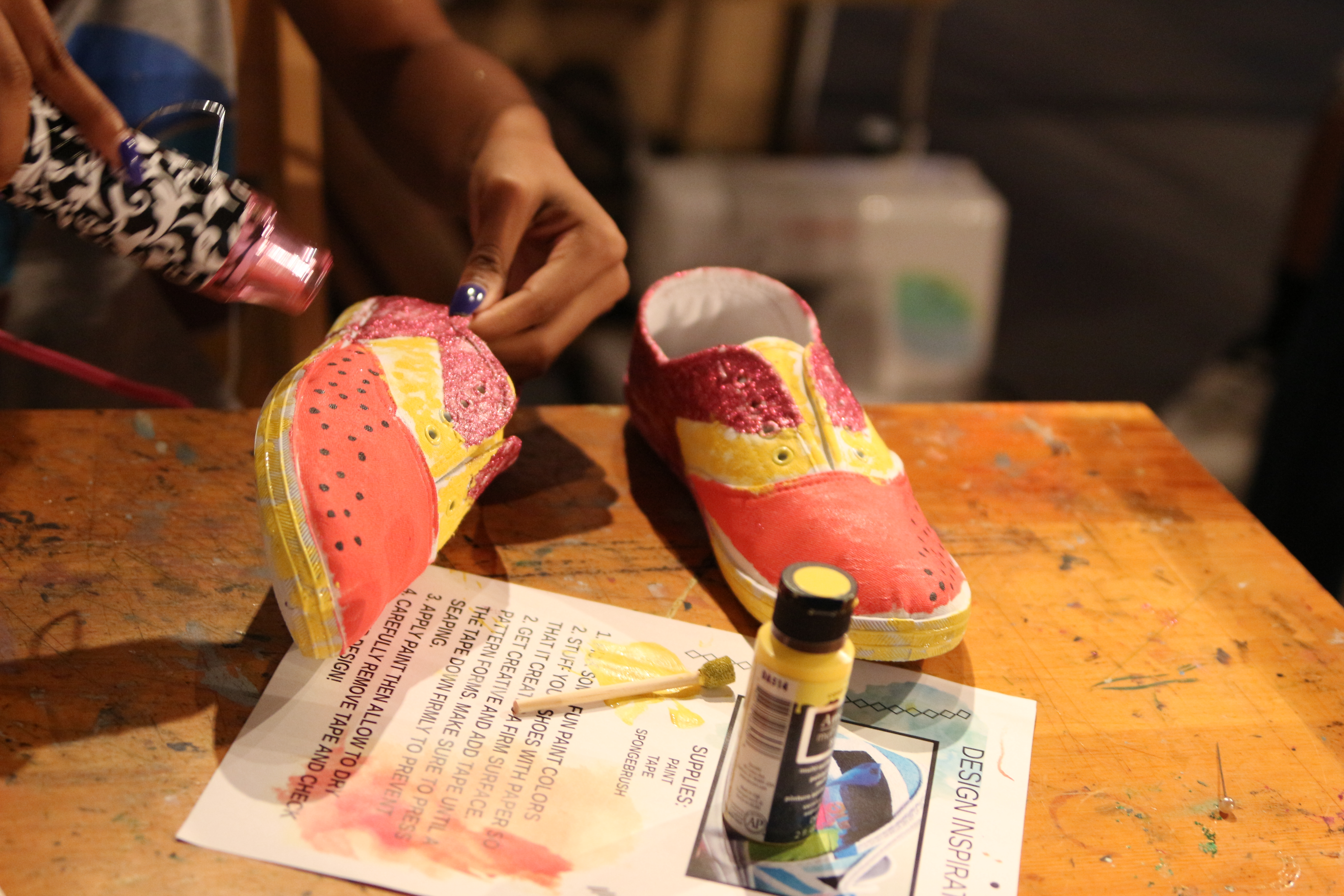 SNEAKER DESIGN DIY WORKSHOP
