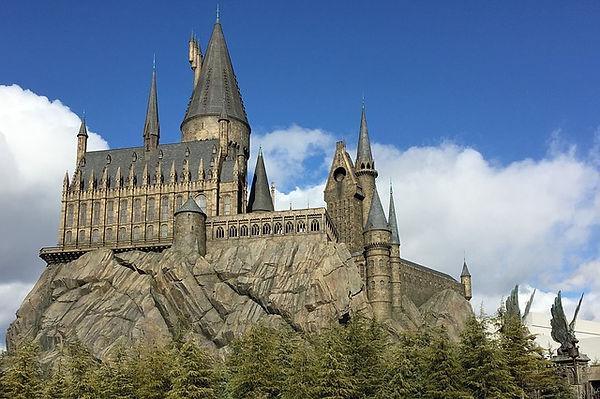 hogwarts-2404482_640.jpg
