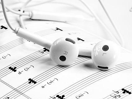 music-1874621_640.jpg