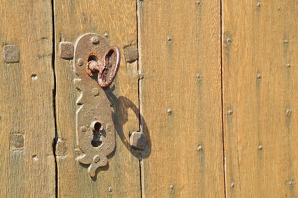 door-lock-401714_640.jpg