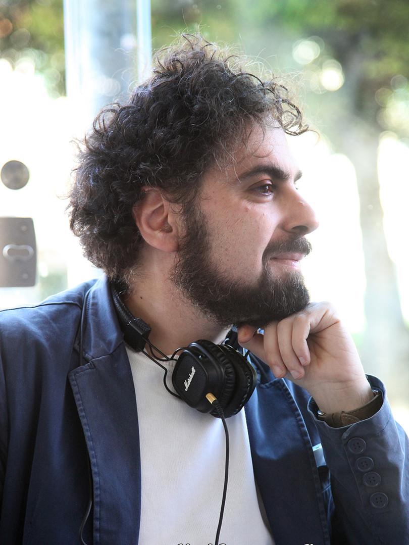 """Roberto Moliterni alla presentazione del suo libro """"La casa di cartone"""""""