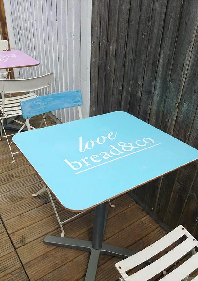 Bread & Co Table Top Peelis