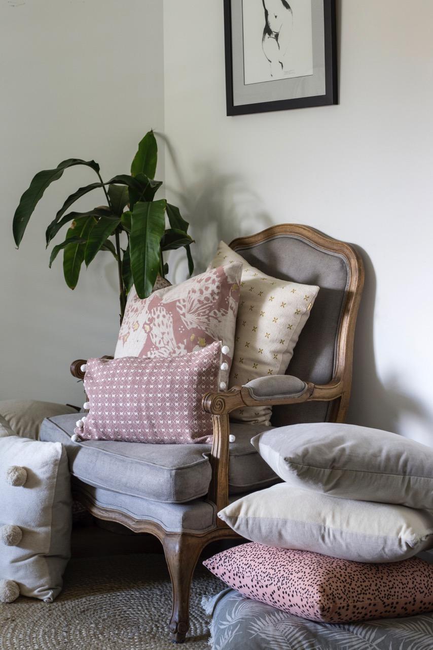 Swan Lake - Furniture Decor