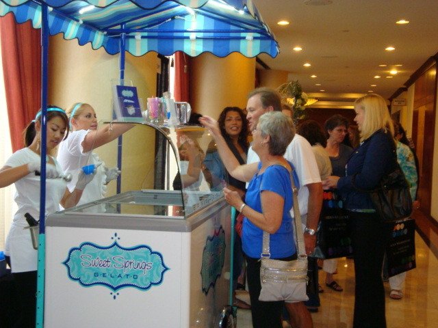 serving gelato