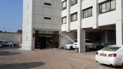 הכניסה הדרומית למגדל המשרדים