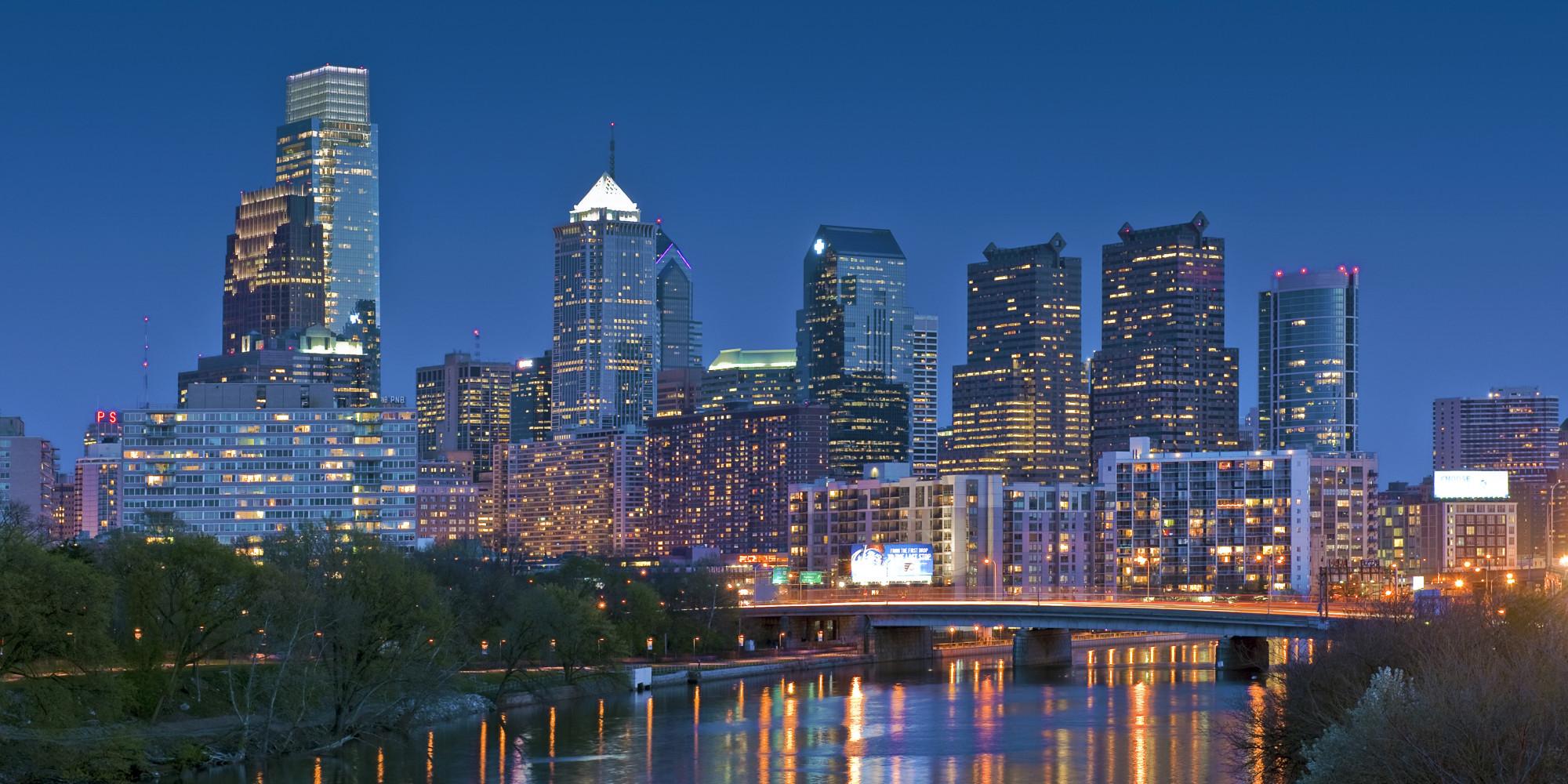 Philadelphia Skyline Night.jpg