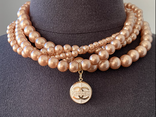 MONTORGUEIL Rose Pearl Necklace