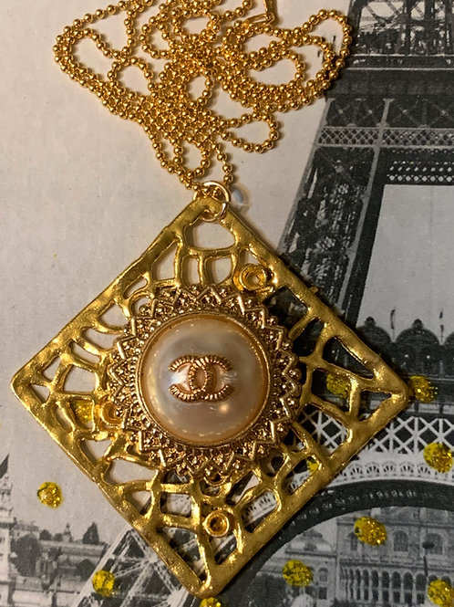 PIGALLE Necklace