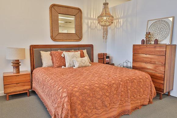 Queen Floating Bed in Blackwood - 147800