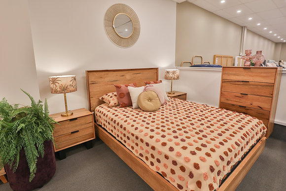 Queen Bed in Messmate Timber 147794