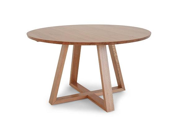 Round Dining Table in Tassie Oak - 144352