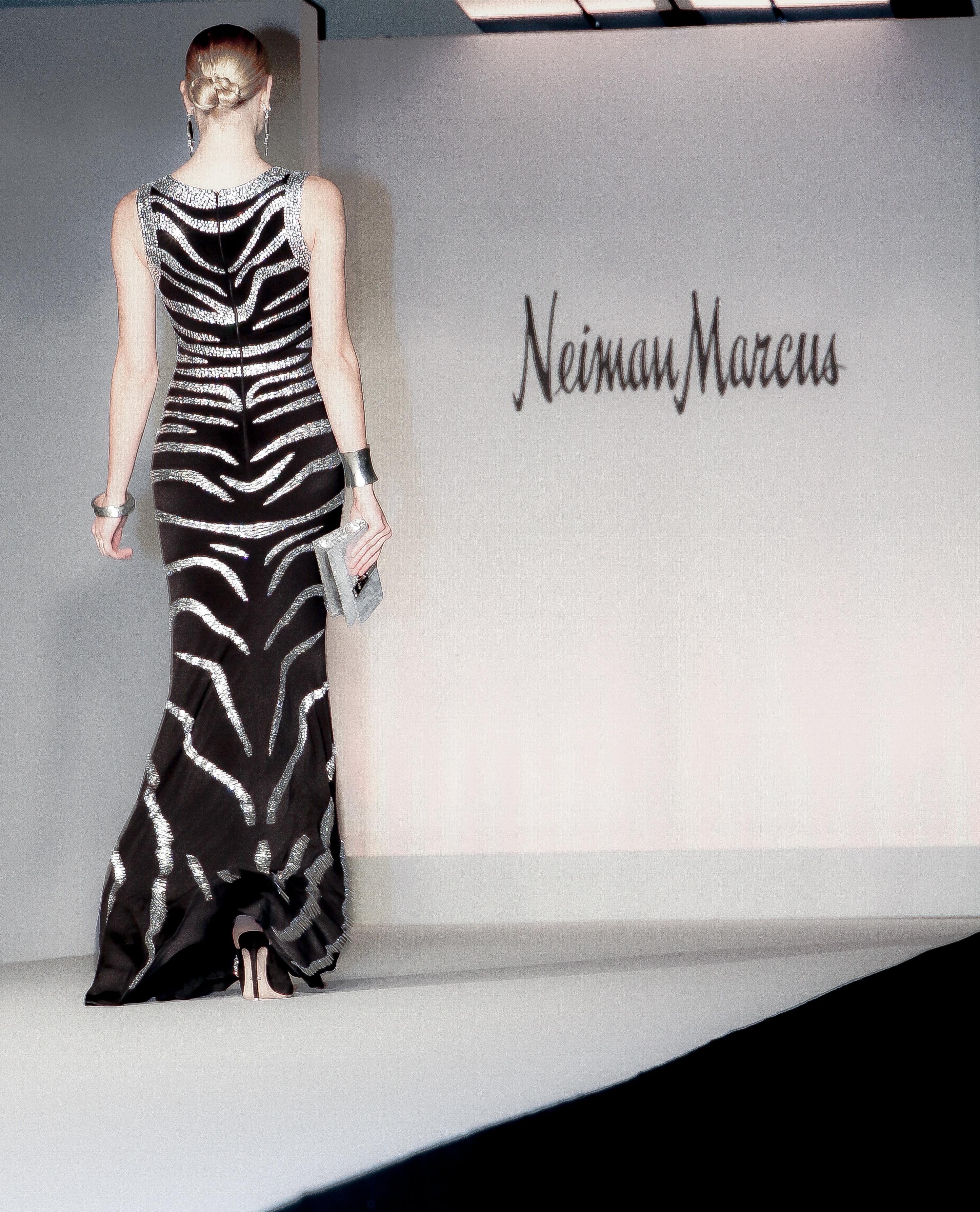 NEIMAN MARCUS-363 CROP