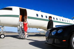 MPM PHOTO COMMERCIAL PLANE AND BENTLEY