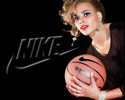 SPORTS LINDSEY Nike BLACK 2500 crop