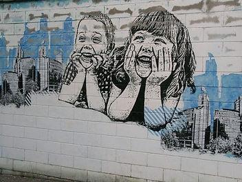 murals-laughing-children-577x433.jpg