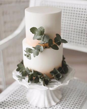 Soft rose gold wedding cake