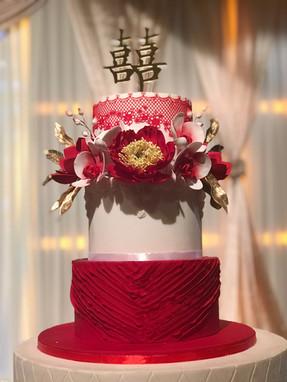 Oriental gold red wedding cake
