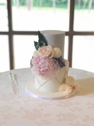 Rustic fondant cake