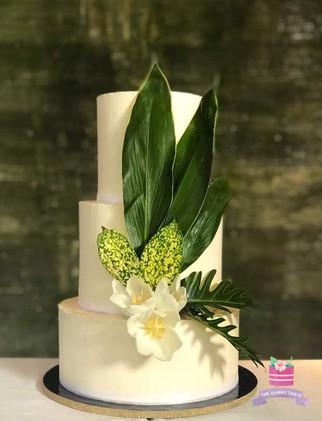 3 tier designer wedding cake