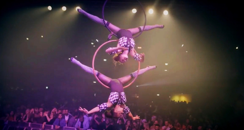 AERIAL INFINITY HOOP PERFORMANCE FOR NYE TWISTED CIRCUS