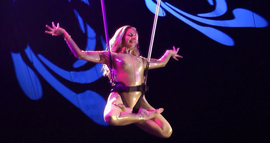 AERIAL HARNESS INDIAN CIRCUS SHOW