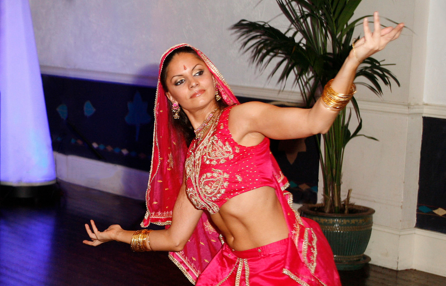 Indian Bollywood dance.jpg