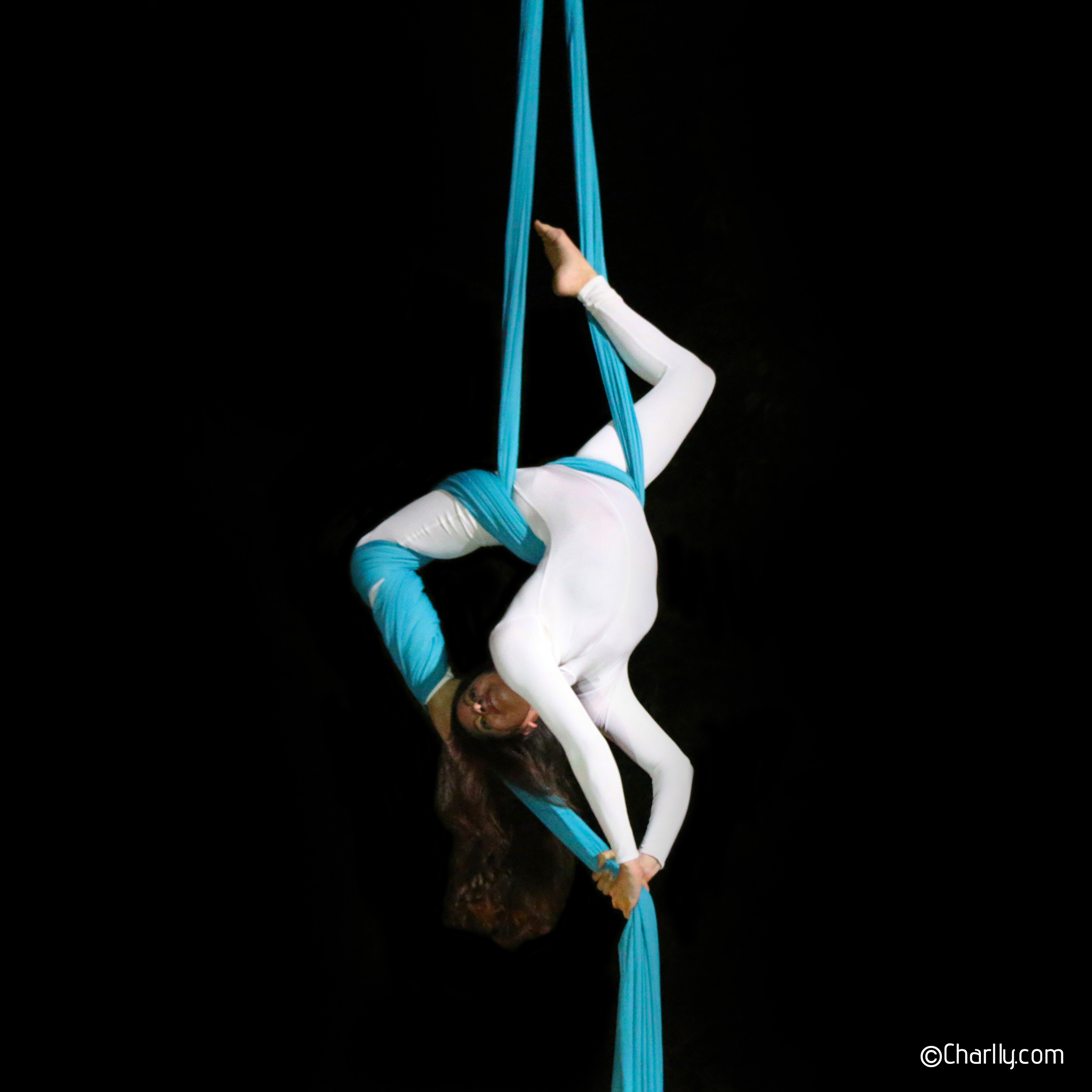 ©Charlly Aerial Silks