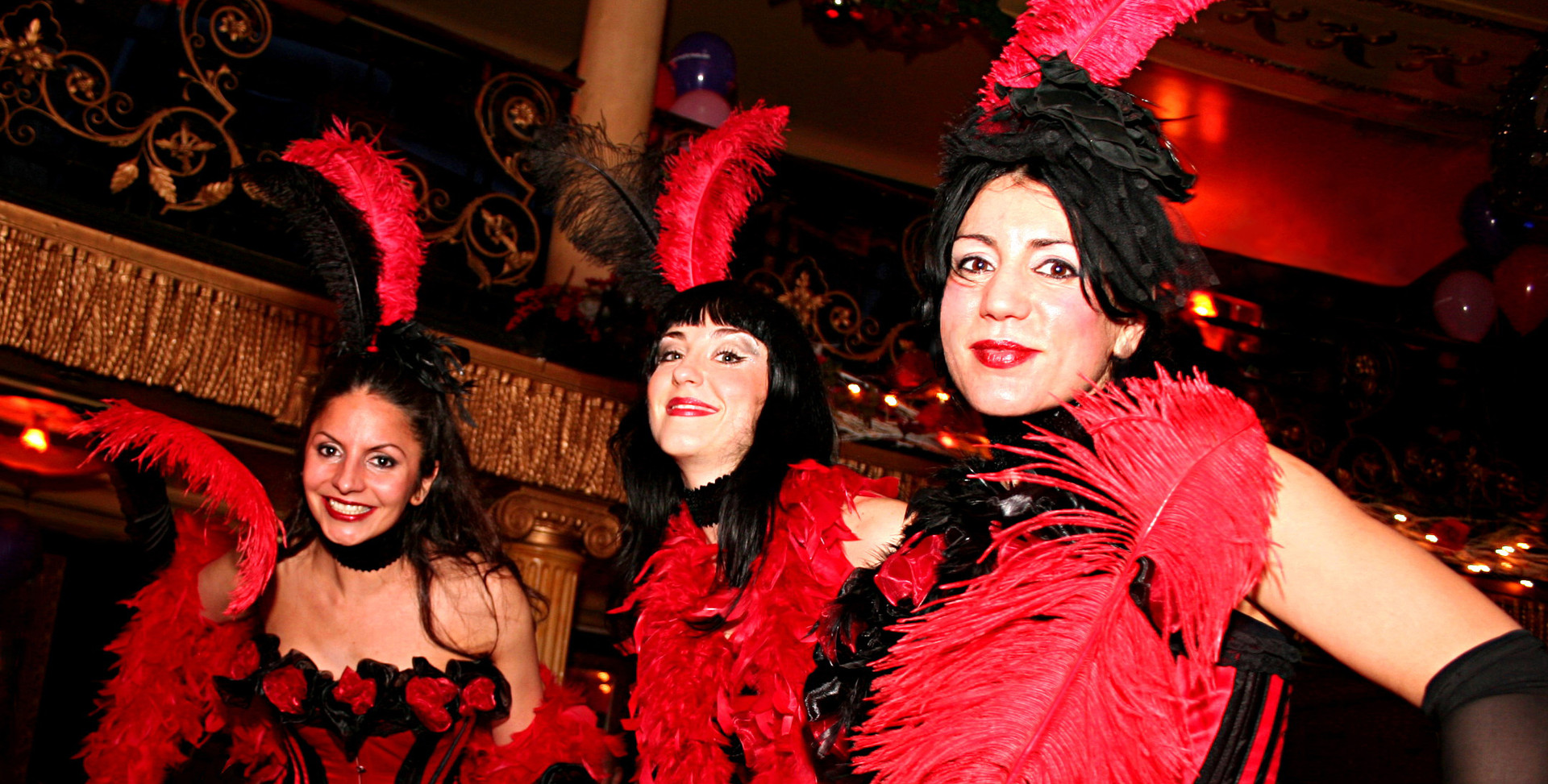 MOULIN ROUGE THEMED STILTWALKERS x 3