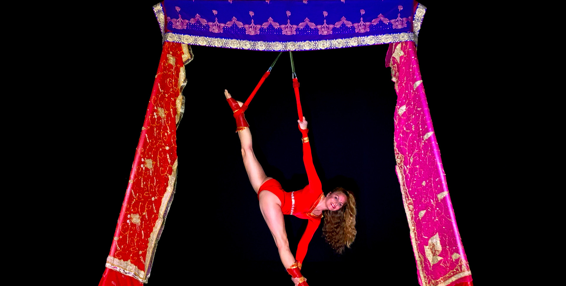 INDIAN THEMED FREESTANDING AERIAL RIG WITH DOUBLE LOOPS - Dressed with stunning Indian silk. A beautiful option for Indian weddings, Indian Summer, Bollywood, Arabian nights or any exotic themed events.