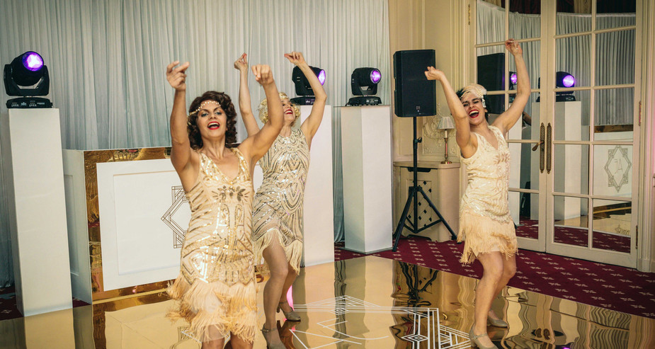 1920'S FLAPPERS DANCE SHOW FOR GREAT GATSBY THEMED 40TH BIRTHDAY