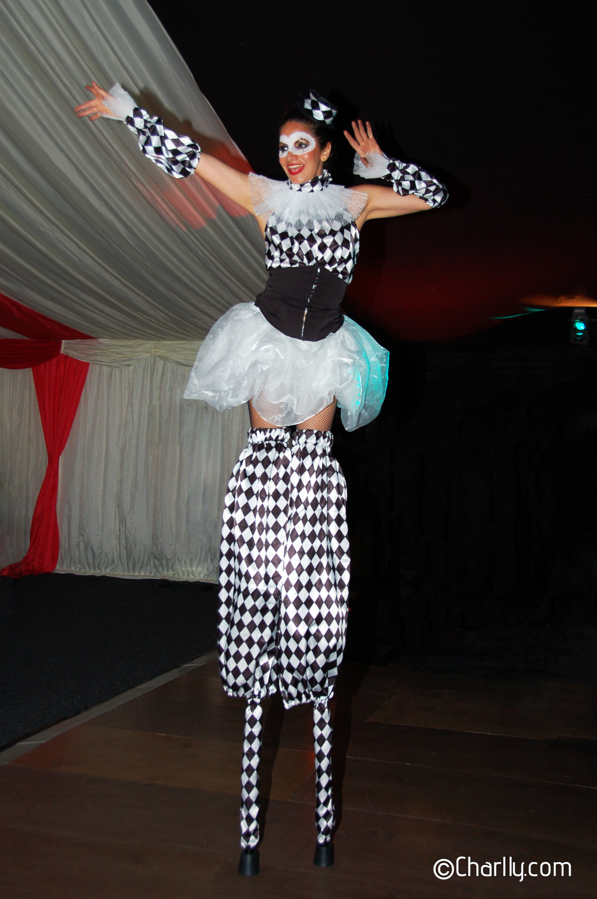 ©Charlly Circus Stilts