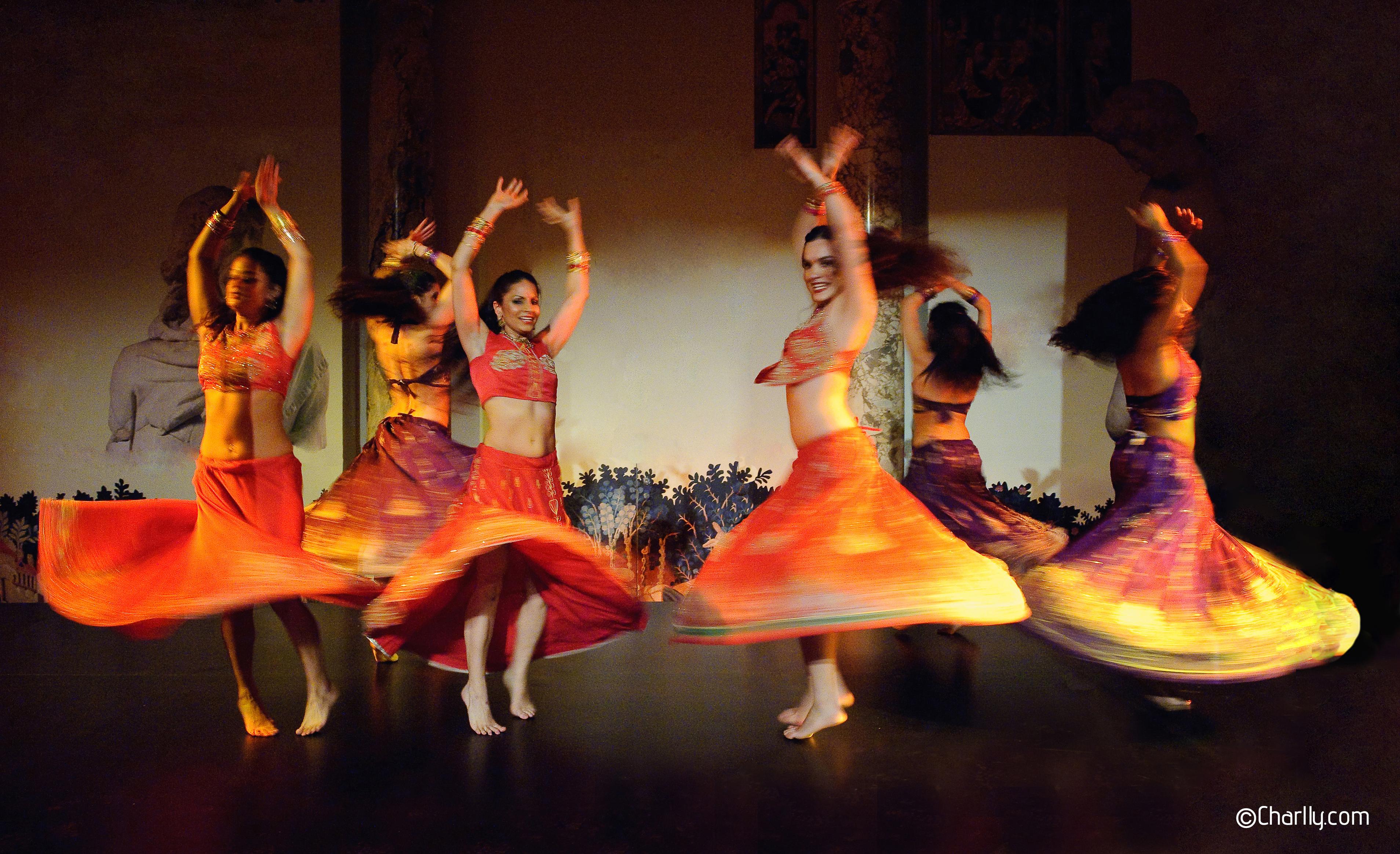©Charlly ©Flowfuzion Bollywood Dance